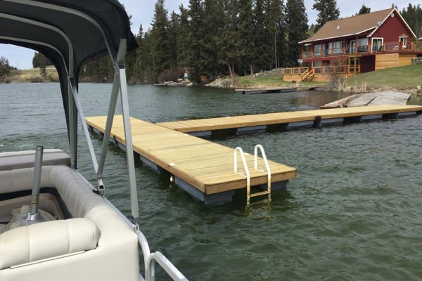 • 4'x16' ramp with four 6'x20' docks• 25 NW450 floats required