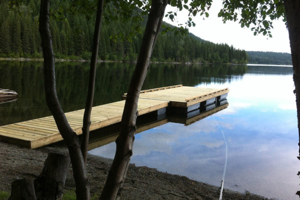 • 5'x18' ramp with 10'x18' dock• 7 NW550 floats required