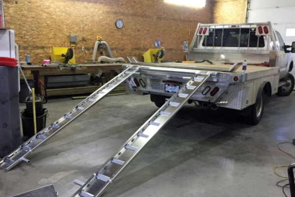 • Aluminum truck deck with ramps